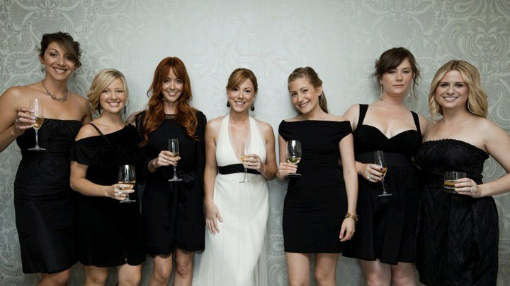 Colin Hanks wedding party. These were the bridesmaids. It's always good to allow the bridesmaids to do have their own style but to also be in harmony. I think we pulled this off well. I specially love what Elizabeth Hanks and I came up with, its a little naughty, a little sexy and very appropriate .